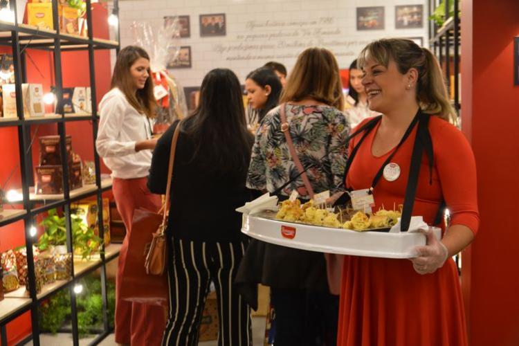 A maioria dos supermercadistas (66%), no entanto, manteve o mesmo nível de encomendas do ano passado - Foto: Rovena Rosa | Agência Brasil