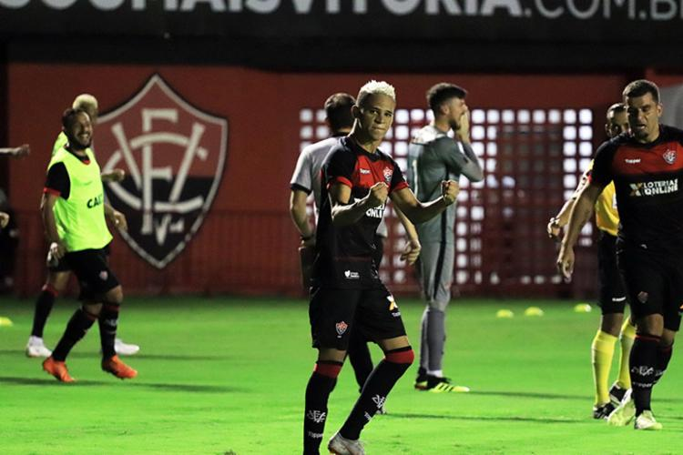 A partida entre Vitória e Santos acontece nesta sexta, 5, às 21h30 - Foto: Maurícia da Matta | EC Vitória
