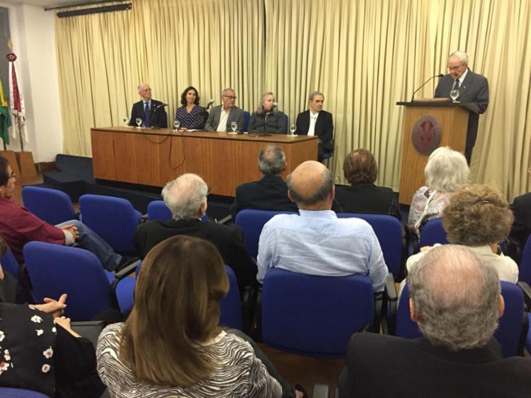 Homenagem em memória do ex-diretor de A TARDE aconteceu na sede da ALB - Foto: Luciano Carcará | Ag. A TARDE