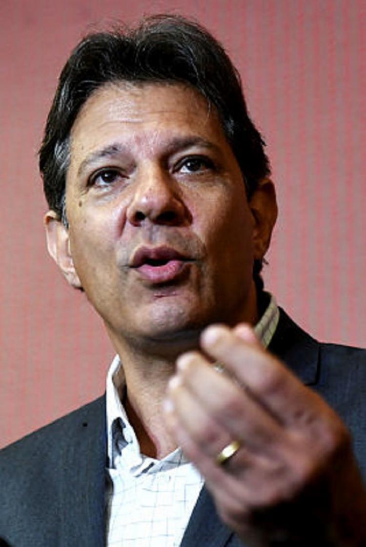 O candidato também foi confrontado sobre suas recentes afirmações contra Edir Macedo - Foto: EVARISTO SA / AFP
