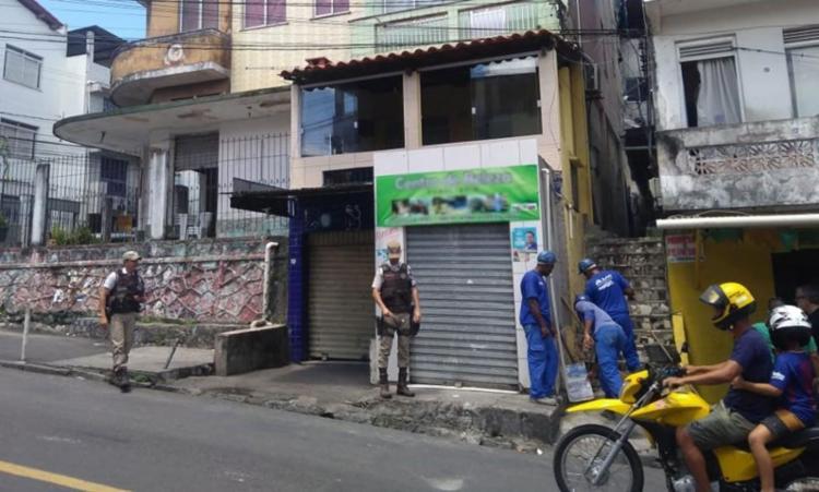 Foram flagrados 11 imoveis residenciais e 11 estabelecimentos comerciais durante a operação - Foto: Foto: Embasa   Divulgação