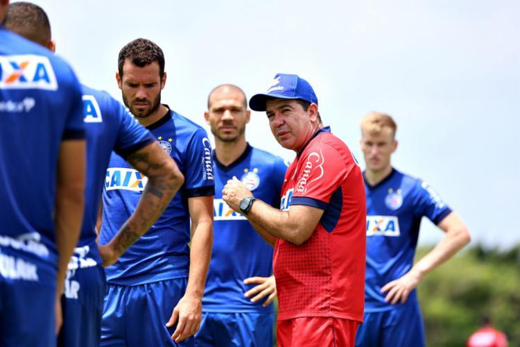 O técnico Enderson Moreira comandou um trabalho técnico nesta sexta-feira, 19 - Foto: Felipe Oliveira l EC Bahia