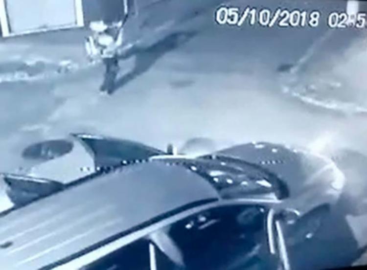 Bandidos chegaram na cidade atirando e seguiram para roubar a agência - Foto: Reprodução | Site MaisBN