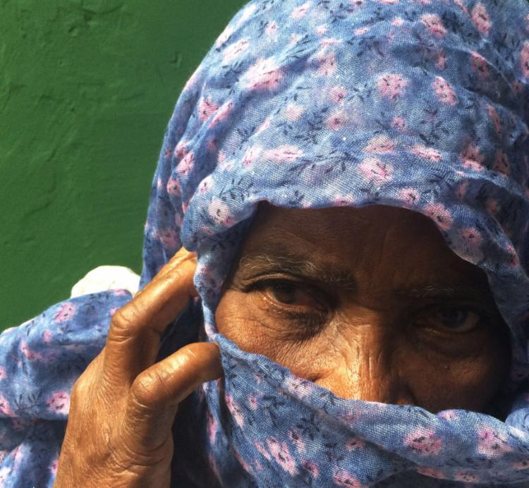 A exposição conta com 15 registros feitos pela fotógrafa Dora Sousa com olhares de mulheres em condição social - Foto: Dora Sousa   Divulgação