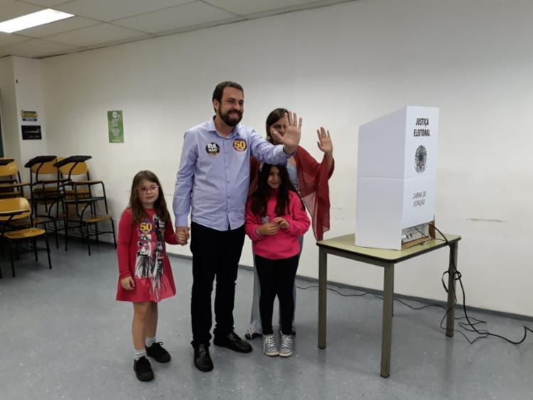 Candidato do PSOL votou na Pontifícia Universidade Católica (PUC – SP) - Foto: Ag. A TARDE