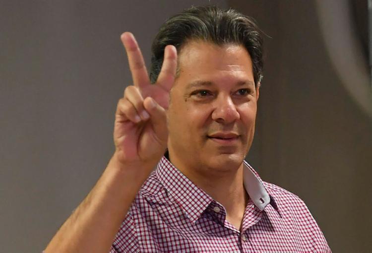 A notícia falsa afirma que o candidato do PT teria declarado que ele e Lula subiriam juntos a rampa do Palácio do Planalto na cerimônia de posse - Foto: Nelson Almeida   AFP