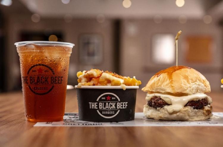 O cardápio da casa oferece oito opções fixas de hambúrguer e uma especial que muda a cada dois meses - Foto: Divulgação