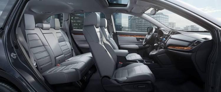 Como carro de família que se preze, o espaço é generoso por fora e por dentro