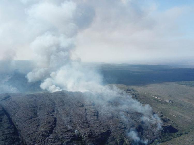 O fogo consumiu uma área de 2.990 hectares, o equivalente a quase 3 mil campos de futebol. - Foto: Reprodução   ICMBio