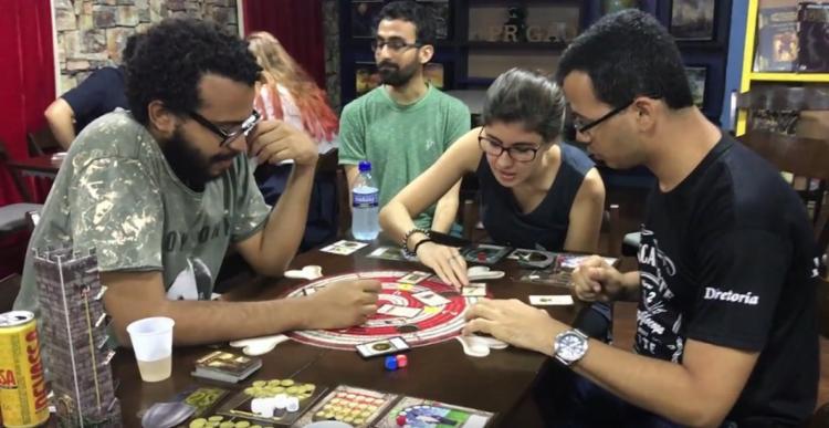 A experiência dos jogos de tabuleiro não se iguala à dos jogos eletrônicos. Por isso, o local recebe muitas visitas