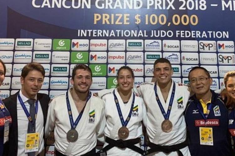 Victor Penalber (81kg) foi prata e Aléxia Castilhos (63kg) e Marcelo Contini (73kg) ficaram com o bronze - Foto: Divulgação/CBJ