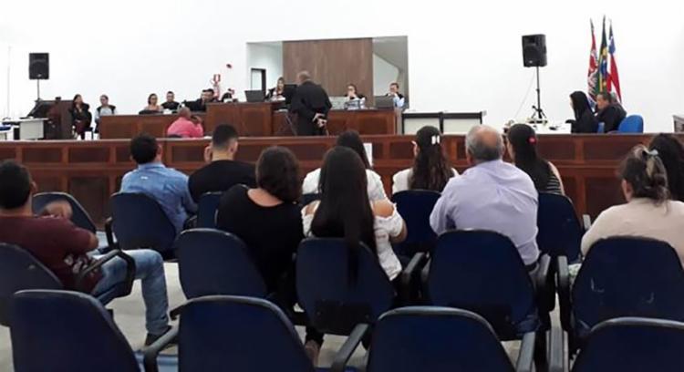 Julgamento aconteceu no Fórum de Feira de Santana nesta quinta - Foto: Aldo Matos   Acorda Cidade