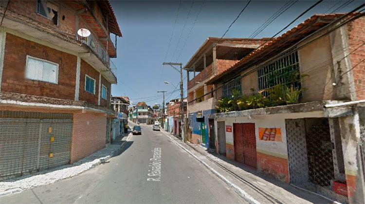 A ação acontece na rua Reinado Praxedes, no bairro Arenoso, em Salvador - Foto: Reprodução   Google Maps