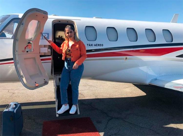 De acordo com a cantora, o aeroporto estava fechado para reparos, então, voltou para Goiânia - Foto: Reprodução | Instagram