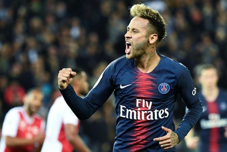 No PSG, Neymar disse que não pediu para atuar neste setor do campo - Foto: Anne-Christine Poujoulat | AFP