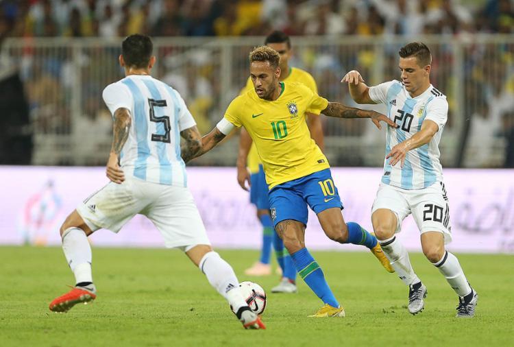 A seleção de Tite mais uma vez dependeu exclusivamente do talento do atacante Neymar - Foto: AFP