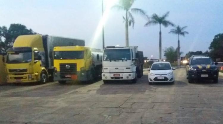 Outro carregamento de 1800 unidades de bebidas lácteas também foi confiscado - Foto: Reprodução   PRF-BA