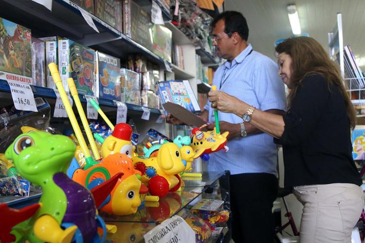 A ação faz parte da segunda fase da Operação Criança Segura, que visa a segurança do público infantil como consumidor - Foto: Bruno Concha l Secom-PMS