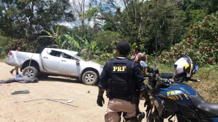 Caminhonete roubada momentos antes foi recuperada durante a operação - Foto: Divulgação | PRF