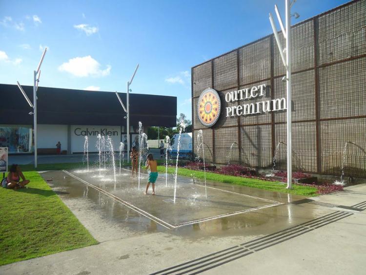 Centro de compras reúne mais de 100 marcas nacionais e internacionais - Foto: Divulgação