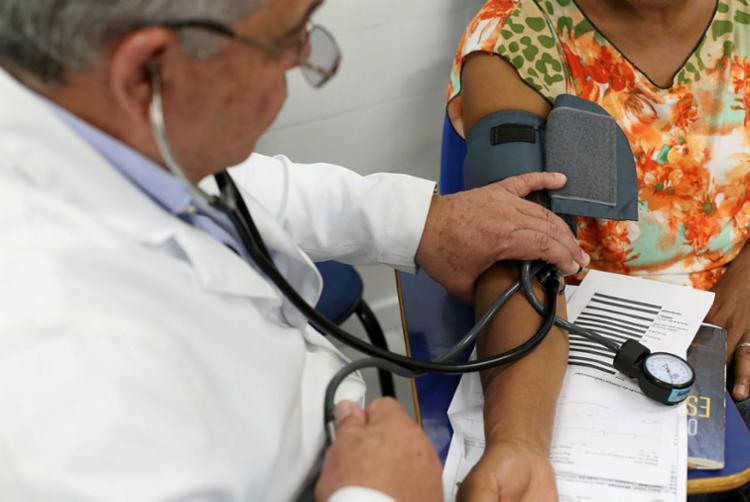 Atendimentos médicos gratuitos para mulheres serão realizados na próxima terça - Foto: Adilton Venegereoles | Ag. A TARDE