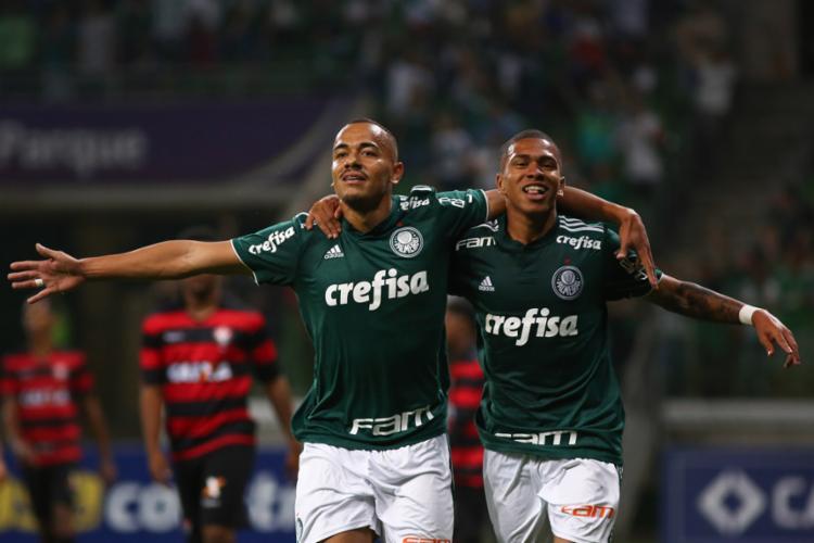 ... palmeiras · sub20 · brasileirao · futebol · esporte. A+ A-. O Verdão  conseguiu um placar agregado de 9 a 3 sobre o Leão - Foto  850e66c909dd1