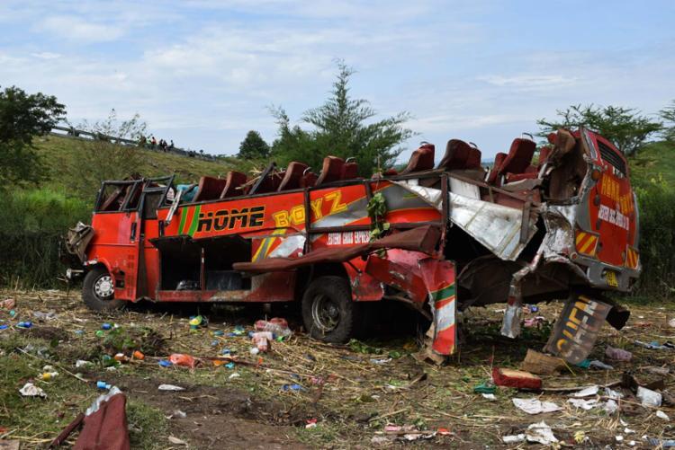 Acidente com ônibus ocorreu nesta quarta, 10, na região oeste do país - Foto: Brian Ongoro | AFP
