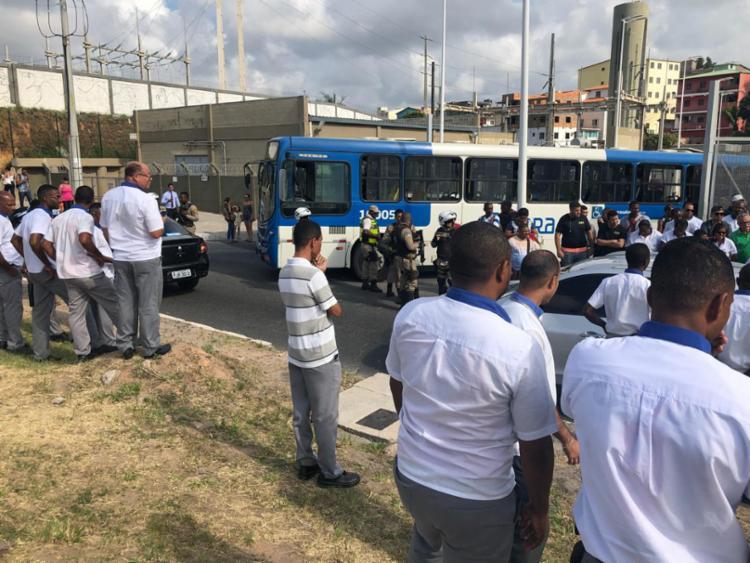 Rodoviários reivindicam instalação de redutores de velocidade no local - Foto: Margarida Neide | Ag. A TARDE