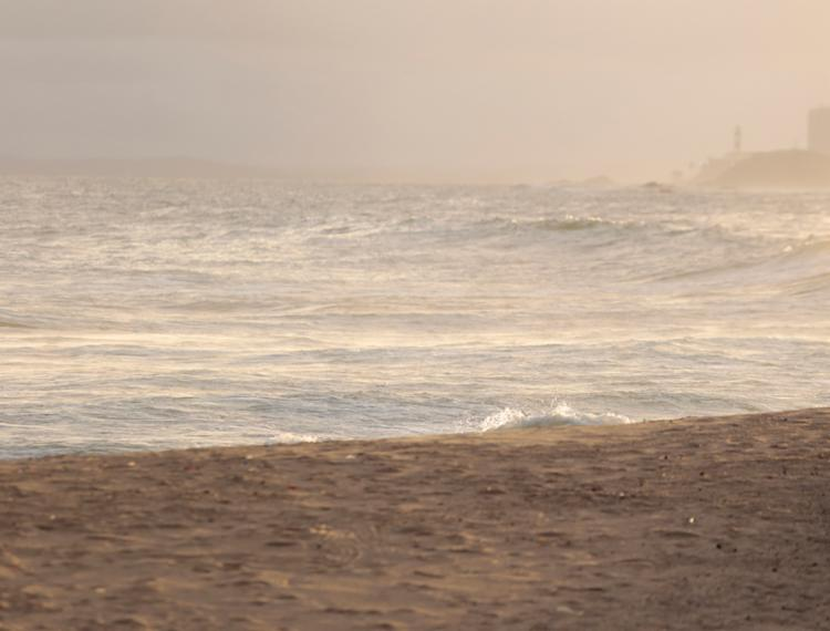 O caso aconteceu em uma praia no bairro do Rio Vermelho, que fica próxima à Paróquia de Sant'Ana - Foto: Joá Souza | Ag. A TARDE