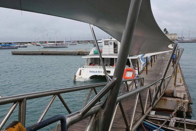 A travessia está sendo operada com oito embarcações, com horários fixos de meia em meia hora - Foto: Margarida Neide | Ag. A Tarde