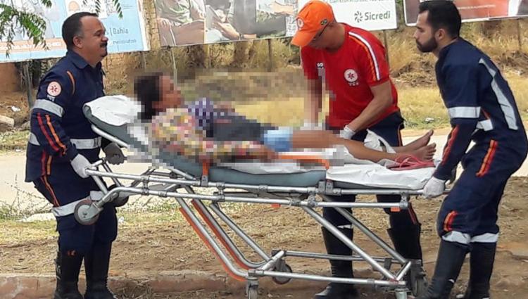 Equipes do Samu foram acionadas e prestaram atendimento à vítima - Foto: Paiva l Blogbraga