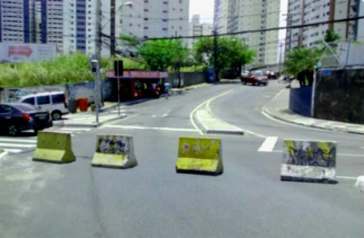Com a sinaleira sem funcionar, o cruzamento foi fechado temporariamente - Foto: Divulgação | Transalvador