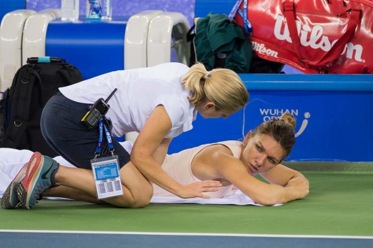 A romena já tinha se lesionado nas costas no final de setembro - Foto: AFP