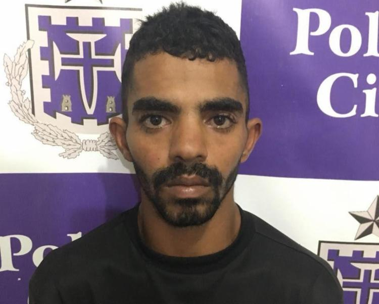Luan Pereira foi localizado em casa com drogas e balanças de precisão - Foto: Divulgação   Polícia Civil