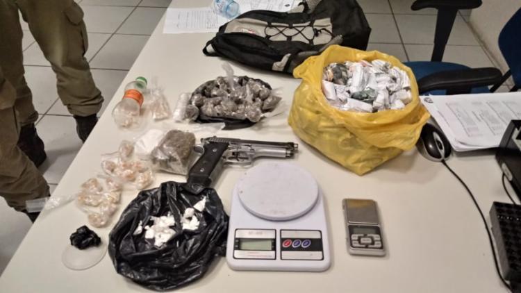 Materiais foram localizados com o suspeito - Foto: Divulgação   SSP-BA