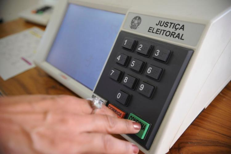 Eleitores vão votar seis vezes neste domingo - Foto: Fabio Rodrigues Pozzebom l Agência Brasil