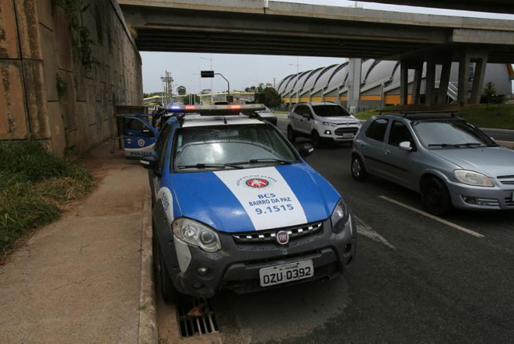 Acidente ocorreu embaixo do viaduto Orlando Gomes