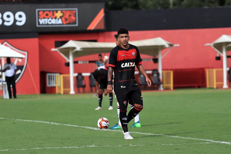 Nickson é um dos jovens que estão no elenco principal do clube, treinado por Paulo Cezar Carpegiani