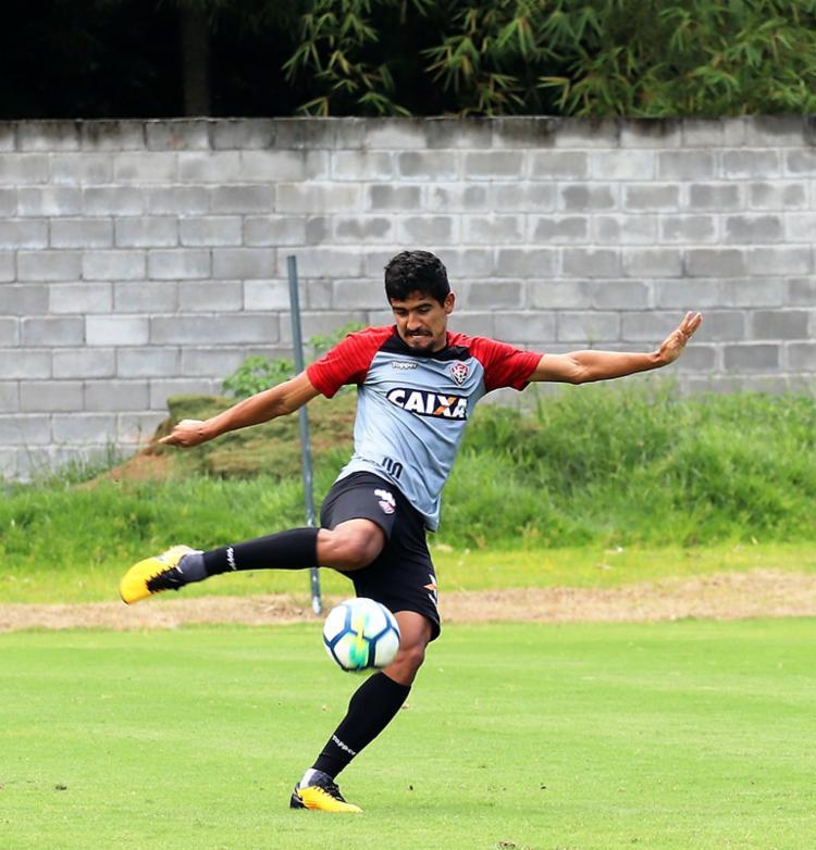 Ramon, zagueiro do Vitória: