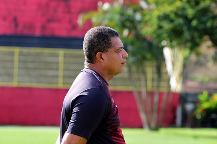 Laelson Lopes é técnico do Sub-20 e coordenador técnico das divisões de base do Leão - Foto: Maurícia da Matta | EC Vitória