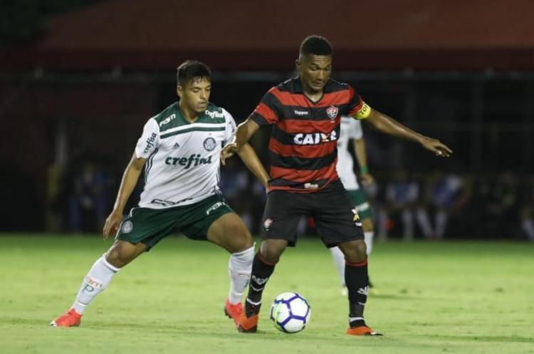 Leão foi derrotado em casa e vai precisar virar placar no jogo de volta em São Paulo - Foto: Adilton Venegeroles l Ag. A TARDE