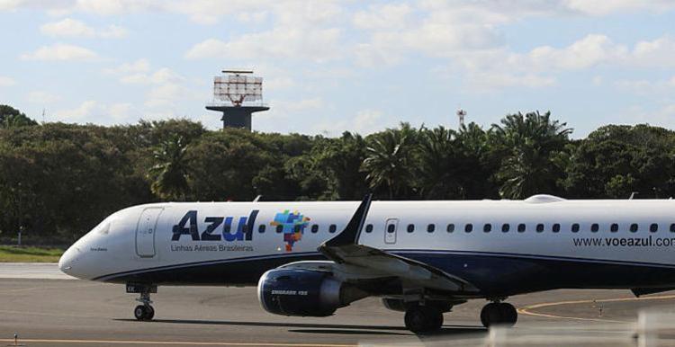 A Azul Linhas Aéreas teve impacto em três voos - Foto: Joá Souza   Ag. A TARDE