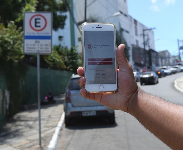 Três aplicativos estarão disponíveis para download nas lojas virtuais - Foto: Margarida Neide | Ag. A TARDE