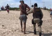 Suspeito de roubo em ônibus na orla de Salvador é preso tentando fugir pelo mar | Foto: Divulgação | Polícia Militar