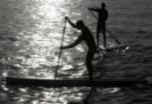 Mais um feriado em que o stand up paddle corre solto em Salvador | Foto: Adilton Venegeroles | Ag. A TARDE | 19.12/.2017