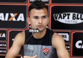 Fernandes destaca não ter preferência de centroavante | Maurícia da Matta | EC Vitória