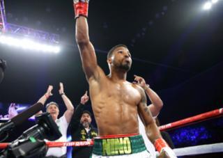 De olho na disputa pelo cinturão, Robson venceu canadense por pontos - TR Boxing/Reprodução