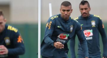 Wallace está confirmado entre os titulares que enfrentarão os uruguaios - Lucas Figueiredo/CBF/Divulgação