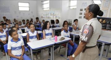 Iraildes Caldas, instrutora do Proerd da 3ª companhia de Cajazeiras - Gilberto Júnior