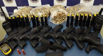 Armas austríacas e mais de 2 mil munições foram encontradas. Rota utilizada para distribuição do material também foi descoberta - SSP-Ba/Divulgação